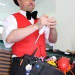Ballontiere und Ballonfiguren knoten
