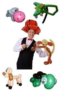 Der Ballonkünstler aus Offenburg knotet Luftballontiere und Ballontiere