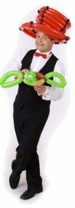 Ballonkünstler aus Kaufbeuren knotet Luftballonfiguren als Luftballonkünstler