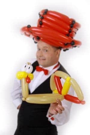 Ballonkünstler für Schulfest oder Schulfeier bzw Feier in der Schule